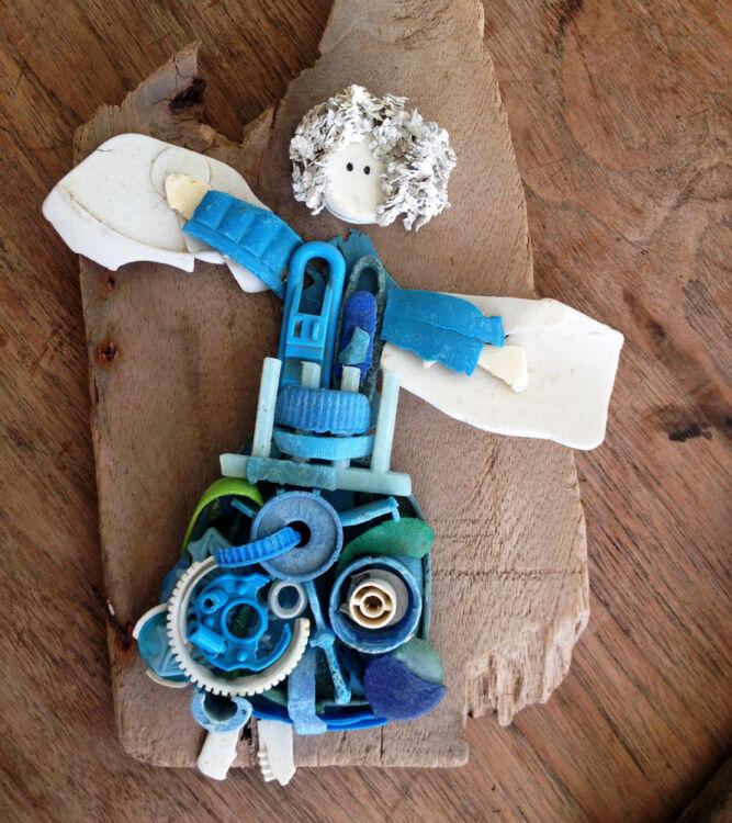 Plastic kunst Beschermengel blauw
